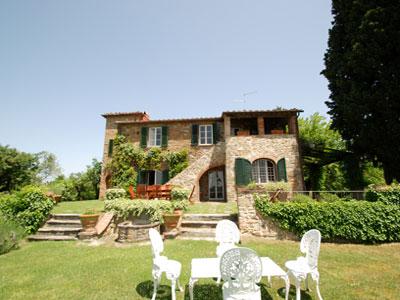 Villa sasso canaldo villas in arezzo cortona tuscany for Esterno ville foto